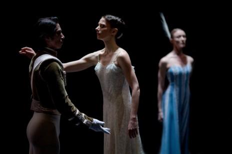 Let 39 s dance une compilation de circonstance for Antony tudor jardin aux lilas