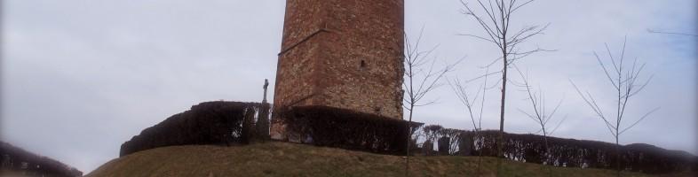 La tour du Gloeckelsberg au sommet de la CUS