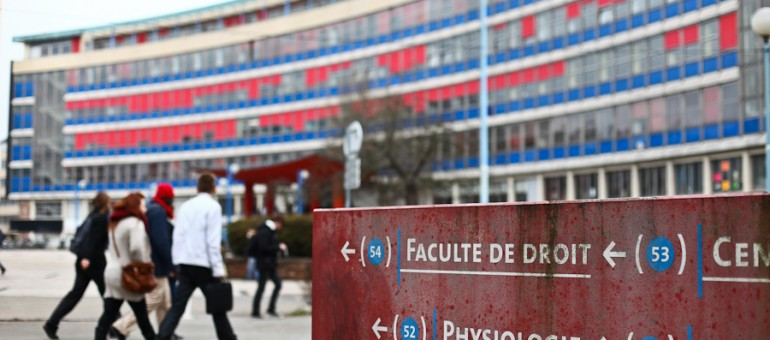 Étudiants étrangers: l'État subitement inflexible