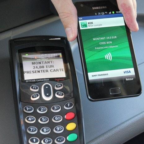 La technologie nfc permet de remplacer la carte bancaire par le