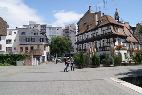 Logement tudiant les marchands de listes montr s du doigt for Agence immobiliere zurich