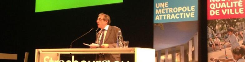 Roland Ries répond aux questions des habitants du Neuhof (Photo service de presse)