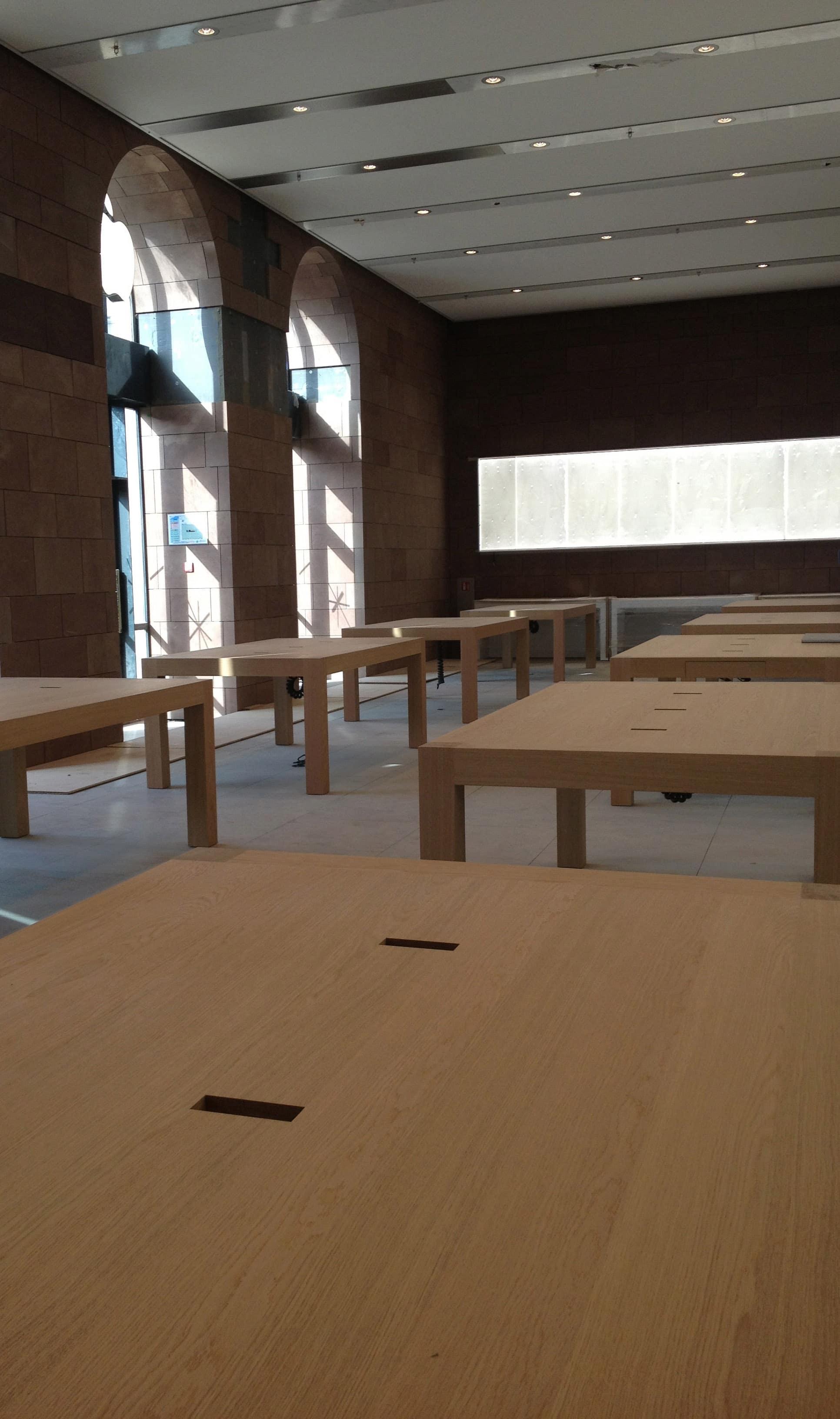 Apple Store : de l'autre côté des panneaux