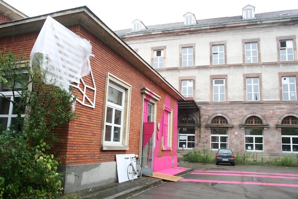 diaporama j 7 avant l 39 ouverture au public de la manufacture des tabacs rue89 strasbourg. Black Bedroom Furniture Sets. Home Design Ideas