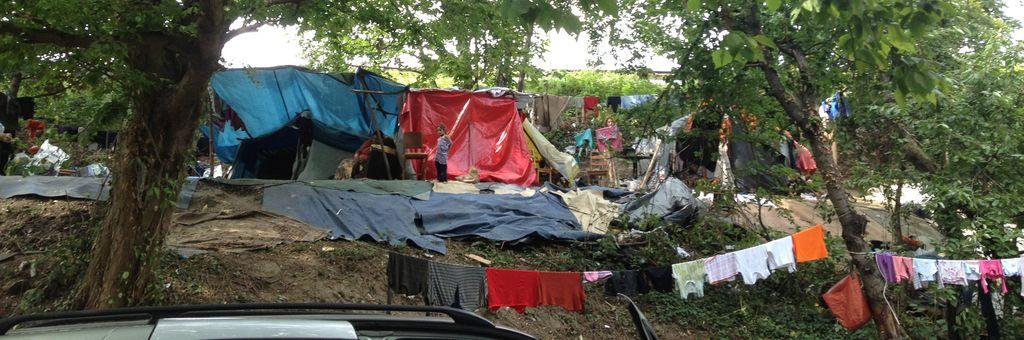 Le tribunal autorise l'expulsion de 110 roms de leurs campements