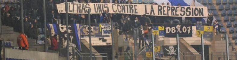 Pour une fois en CFA, les supporters visiteurs étaient présents en nombre à la Meinau (Photo : Racingstub).