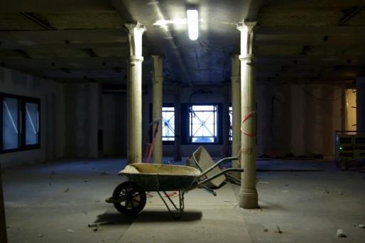 Ils n'en ont pas l'air, mais c'est piliers sont à présent historiques. Ils font partie des deux étages conservés dans leur état d'origine.