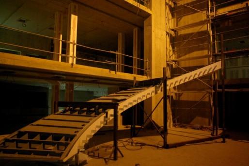 Les premiers éléments de l'escalier central sont arrivés début janvier.