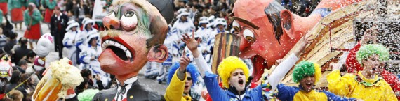Le carnaval et son immuable cortège (Photo Rue89 Strasbourg)