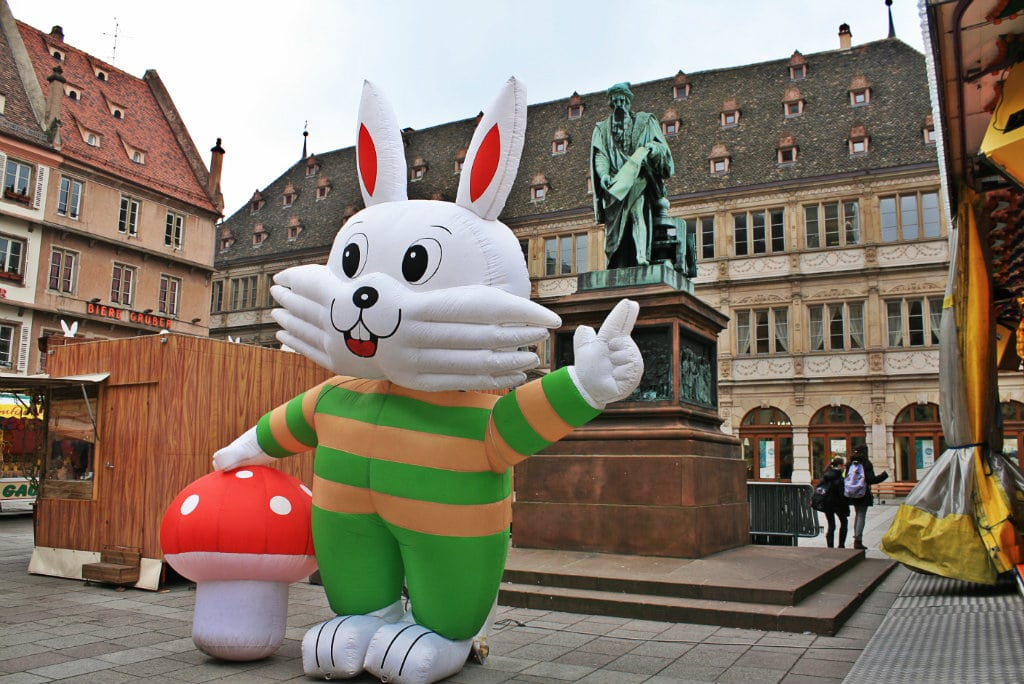p ques big bunny is watching you rue89 strasbourg. Black Bedroom Furniture Sets. Home Design Ideas