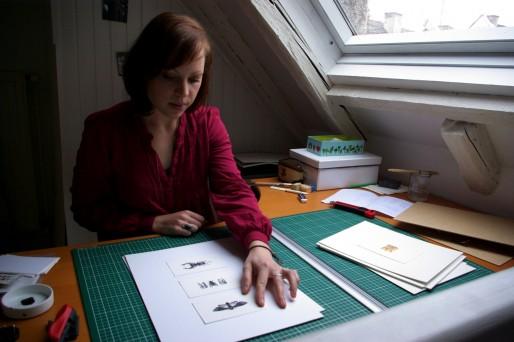 Daphné Buisson travaille chez elle faute d'avoir trouvé l'atelier adéquat.