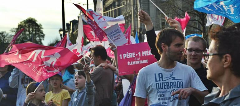 A la Manif Pour Tous, discours mesurés mais tentation radicale