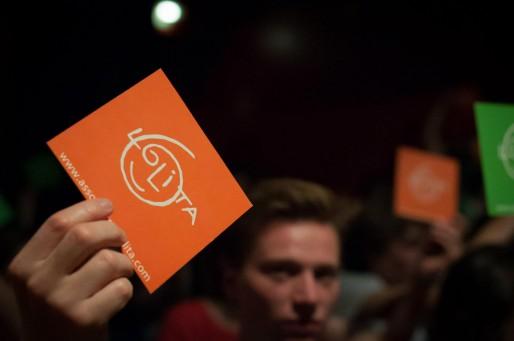 Carton servant à voter lors de la demi-finale du championnat. (Photo Alexis Saettler / Lolita)