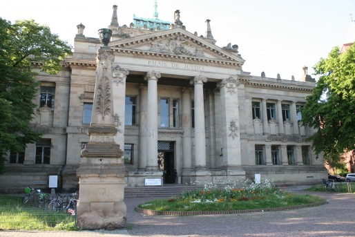 Le Palais de Justice historique, construit en 1898 par l'architecte Skjold Neckelmann. (Photo LJ / Rue89 Strasbourg)