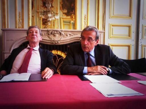 Jean-Jacques Gsell, adjoint au maire en charge du commerce, et Roland Ries, maire de Strasbourg, ont voulu aller vite pour évacuer cette question des commerces ouverts les dimanches (Photo PF / Rue89 Strasbourg / CC)