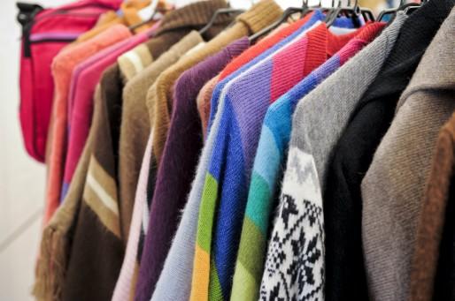 Des vêtements bio et équitables au salon BiObernai de 2012 (photo: Terre d'Info / CC)