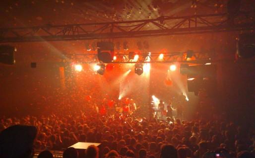 Concert lors de l'Ososphère 2008 (FlickR / teldedavid / CC)