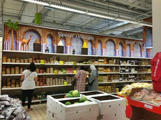 Auchan Illkirch s'est transformé en bazar oriental à l'occasion du Ramadan 2013. (Photo Nathalie Moga/ Rue89 Strasbourg/ CC)