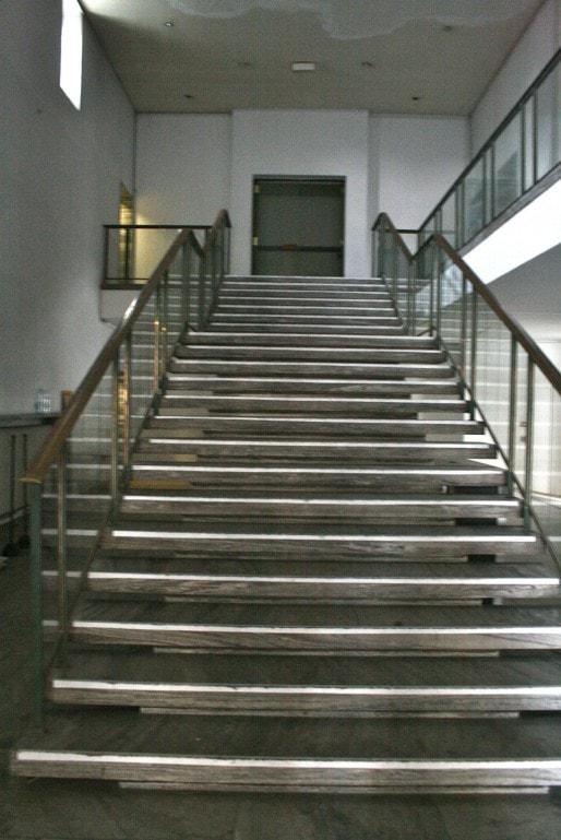 Dans le projet, l'escalier va sauter pour agrandir l'espace au rez-de-chaussée (Photo MM / Rue89 Strasbourg)