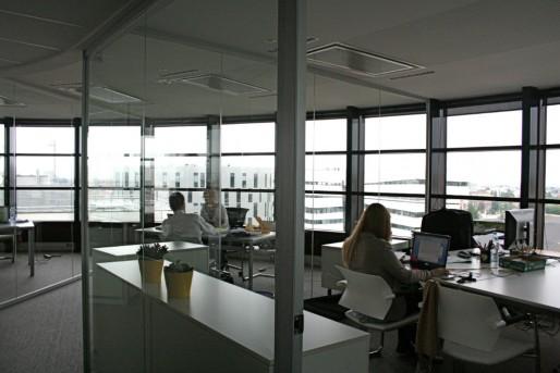 La tour de bureaux Elithis à Dijon compte neuf étages, celle de logements à Strasbourg en comptera 16 (Photo MM / Rue89 Strasbourg)