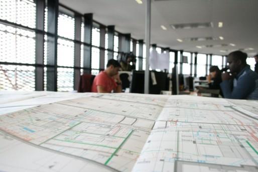 Au 8ème étage de la tour de Dijon, les ingénieurs d'Elithis travaillent à améliorer la performance énergétique de 16 000 logements par an (Photo MM / Rue89 Strasbourg)