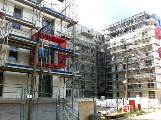 Entre le siège de CUS Habitat et la future place centrale du quartier, des logements privés (Photo MM / Rue89 Strasbourg)