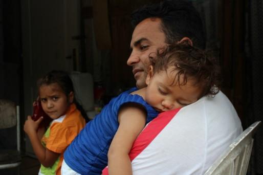 Marcus est en France depuis 15 ans. Il est père de 6 enfants dont 3 vivent à Saint-Gall avec lui et sa femme. (Photo Nathalie Moga/ Rue89 Strasbourg)