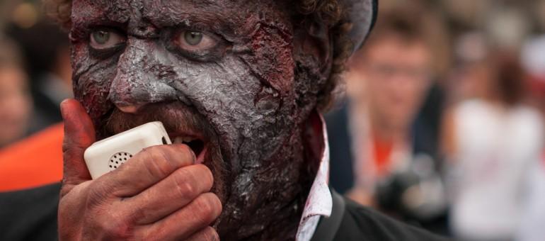 [Diaporama] 3000 zombies malgré la pluie