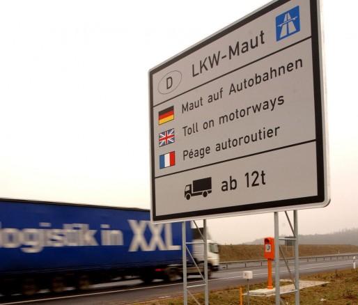 La taxe allemande s'applique à tous les poids-lourds de plus de 12 tonnes, au kilomètre parcouru (Photo Toll Collect)