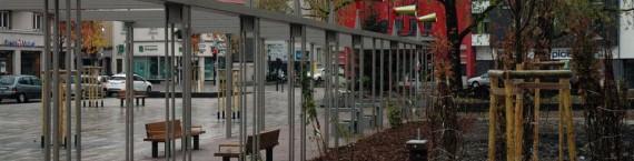 """Vue de la place du marché de Neudorf avec l'installation de """"Syneson"""", novembre 2013. Photo: document remis/ Philippe Lepeut."""