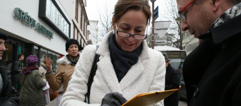 Municipales : mouchoirs en main, Fabienne Keller récolte les doléances