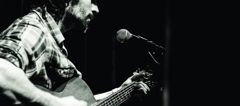 Concert en appartement de The Wooden Wolf, ce loup qui chante dans la nuit