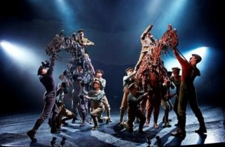 The National Theatre's original stage production of War horse (doc remis)