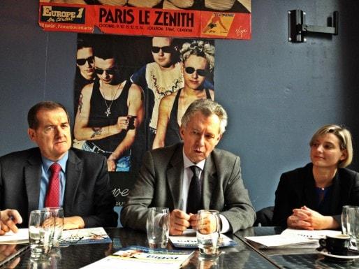 Jacques Bigot a lancé sa campagne le 21 janvier 2014, entouré de plusieurs adjoints dont Claude Frœhly, conseiller général et communautaire (Photo MM / Rue89 Strasbourg)