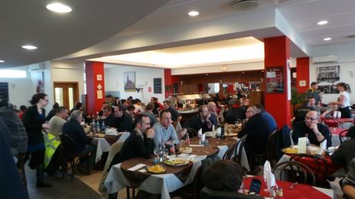 Adresse qui peine à être connue, le restaurant Marché-gare est une valeur sûre pour bon nombre de travailleurs du quartier. (T.M / Rue89 Strasbourg)