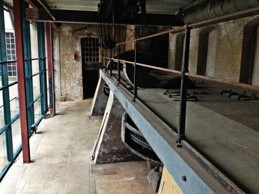 La salle des turbines des Anciennes Glaciaires, peut-être un jour ouverte au public sous forme de musée (Photo MM / Rue89 Strasbourg)