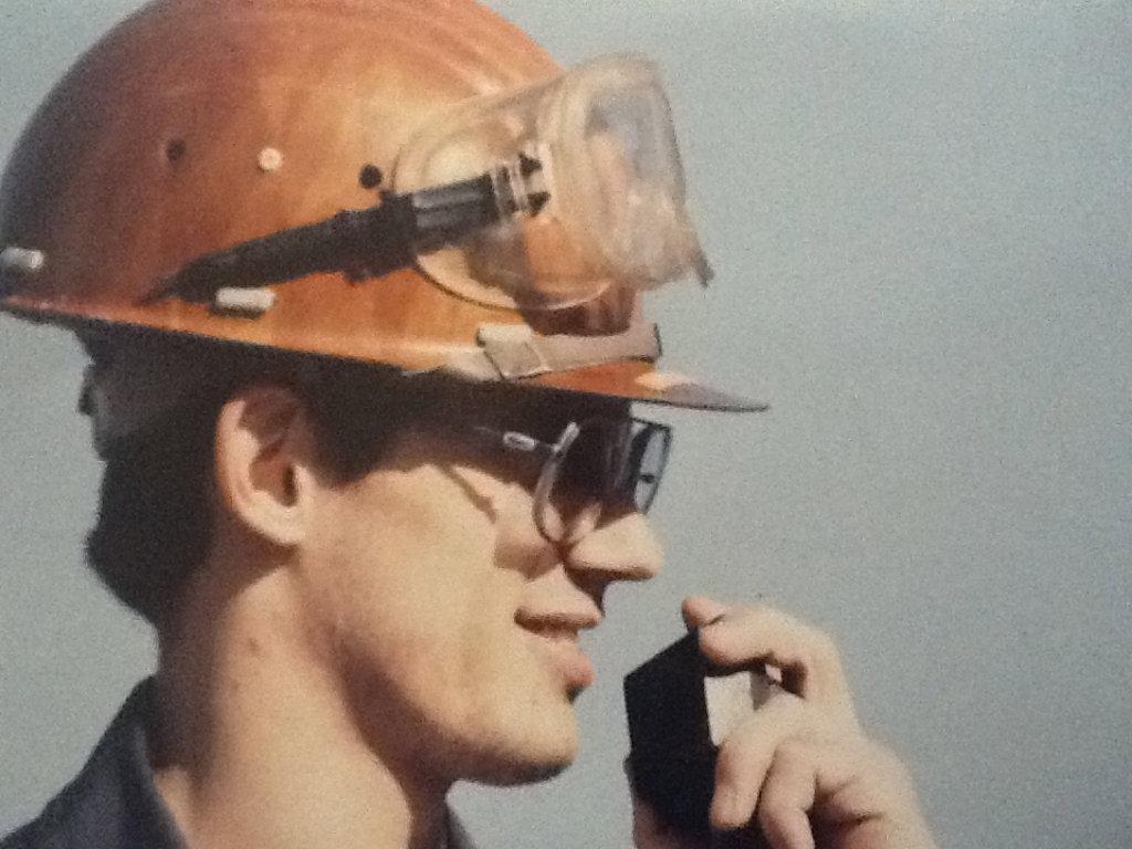 <b>Eric Haennel</b> à ses débuts à la raffinerie, fin des années 80 - Photo-1