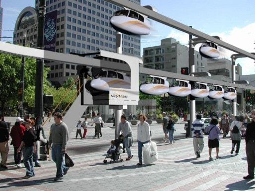 Le SkyTran, un système de navettes propulsées par un champ magnétique et guidées par un rail aérien... (Photo SkyTran)