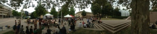 """Place Arp un lieu idéal pour des événements festifs et culturels comme l'a démontré le succès du festival """"Mon voisin cet artiste"""" (R. Fausser)"""