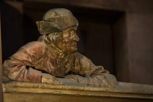 L'homme accoudé de la Cathédrale qui depuis 15 ans voit le même spectacle (Wikipedia)