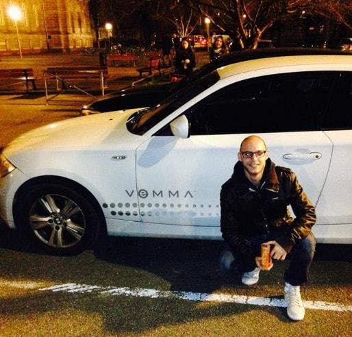 A grands renforts de BMW rutilantes, Vemma fait croire aux jeunes qu'ils peuvent rapidement gagner de l'argent (capture d'écran page Vemma Strasbourg sur Facebook)