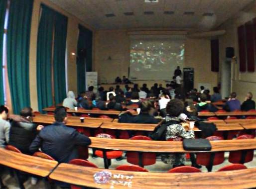 Vemma se développe par les réseaux d'amis et via Facebook, ici une réunion le 25 mars dans un amphi de l'université de Strasbourg (capture d'écran page Vemma Strasbourg sur Facebook)