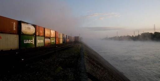 Le terminal à conteneurs et ses nuisances sonores survivront-ils à l'arrivée d'habitants ? (Photo Pascal Bastien)
