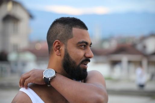 """Al Lion, rapeur du groupe Shutka Roma Rap, écrit aussi les textes de certaines chansons. Il est l'auteur de """"Shutka c'est chez moi""""."""