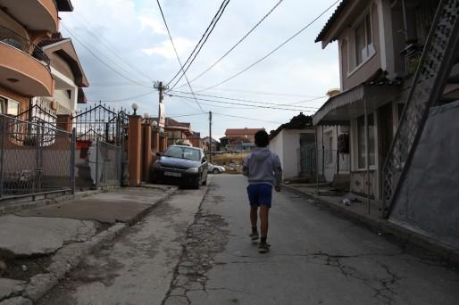 A Shutka,  80% des habitants ont moins de 25 ans. Le chômage touche 90% de la population.