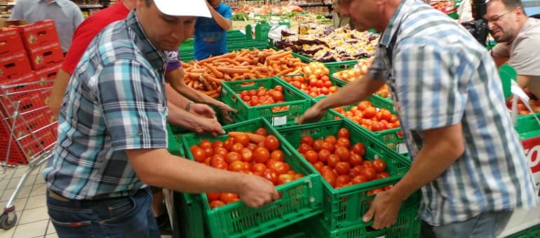 Les tomates espagnoles remplacées par des alsaciennes à Auchan par des agriculteurs