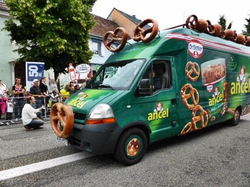 Les marques locales à l'honneur au sein de la caravane publicitaire. (Photo Groupe Larger / Flickr / Cc)