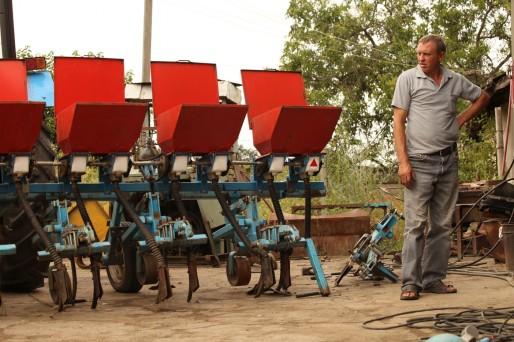 Mais les ouvriers agricoles sont au chômage technique : pour la première fois, Tiraspol leur interdit l'accès aux champs.