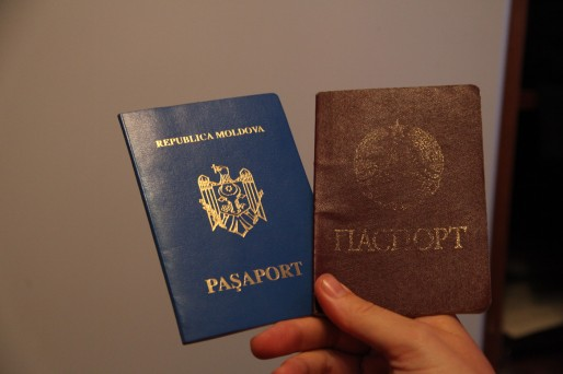La Transnistrie n'est reconnue par aucun pays, pas même par la Russie. Quelques autres territoires séparatistes l'ont reconnue, histoire de se donner de la crédibilité entre eux....