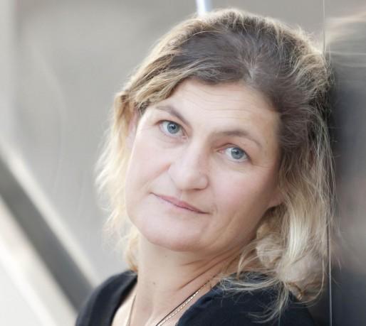 Contrat moral, promesse ou bras de fer ? Sans accord, le conflit entre Julie Brochen, directrice du TNS, et le ministère de la Culture pourrait durer encore des mois (Photo Franck Beloncle / TNS)